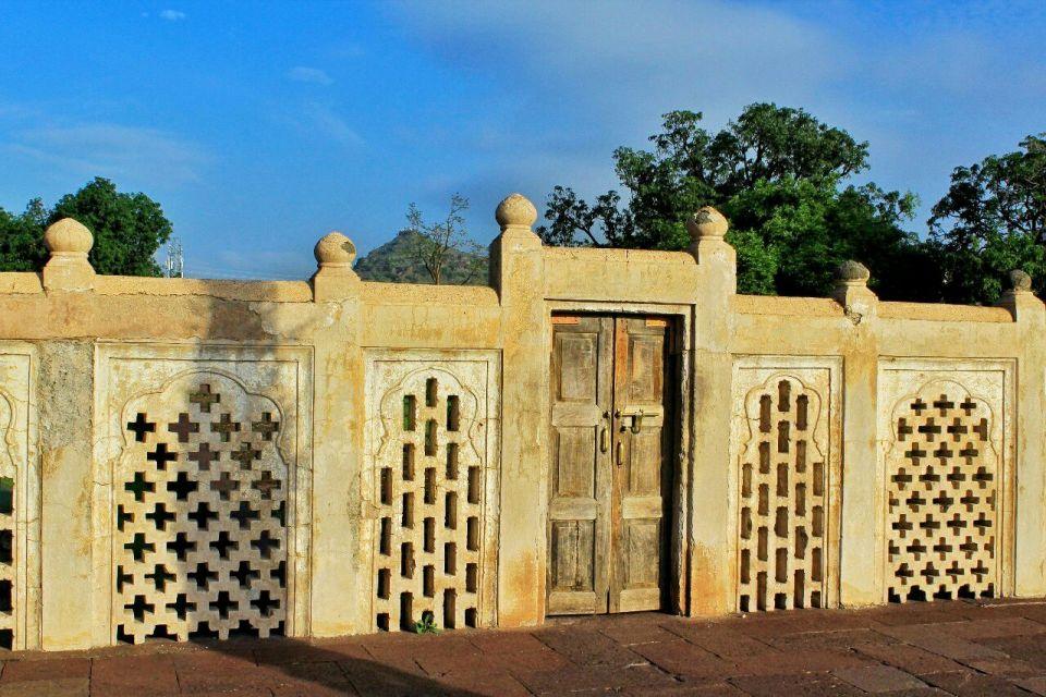 Aurangabad Taj Mahal 18 Bibi ka Maqbara Aurangabad Azure Sky Follows Tania