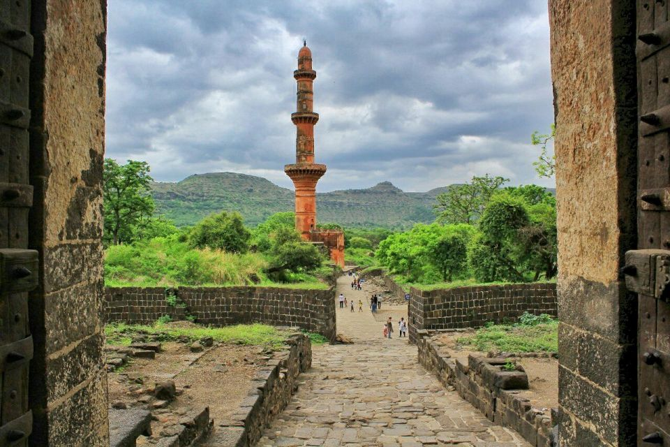 47 daulatabad fort - aurangabad - maharashtra - india - azure sky follows