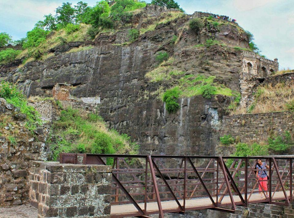 56 daulatabad fort - aurangabad - maharashtra - india - azure sky follows