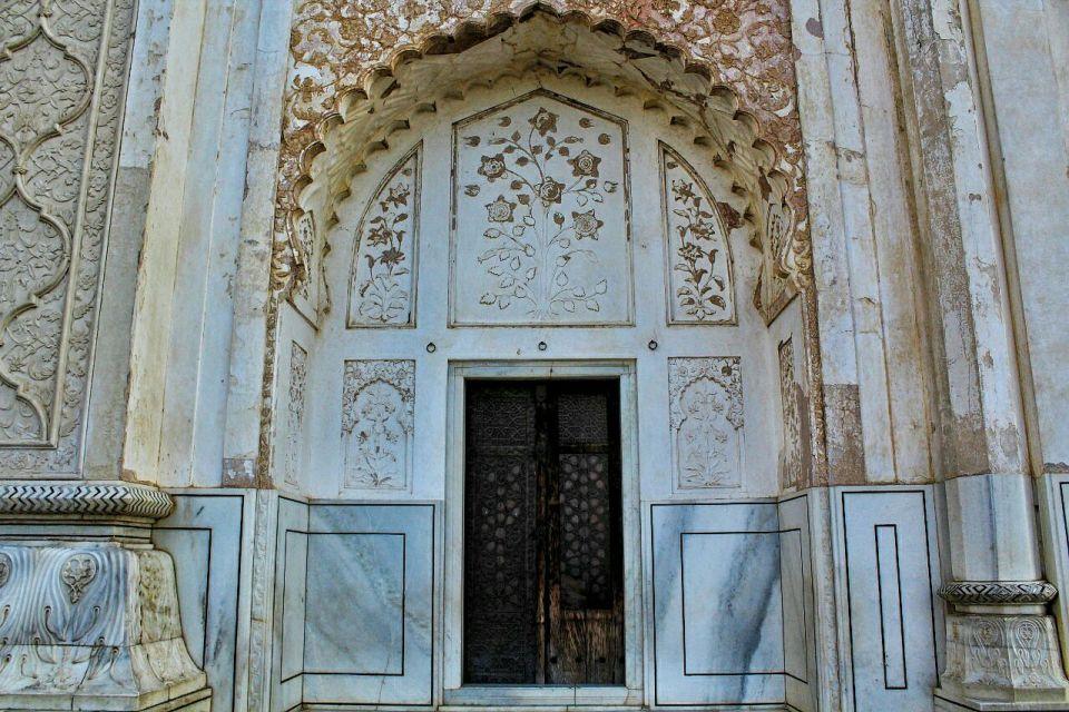 Aurangabad Taj Mahal 57 Bibi ka Maqbara Aurangabad Azure Sky Follows Tania
