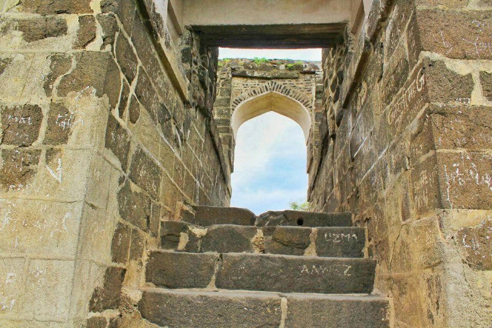 80 daulatabad fort - aurangabad - maharashtra - india - azure sky follows
