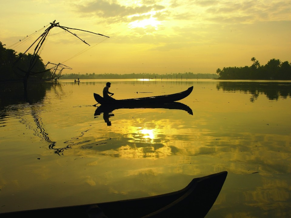 Best places to visit in Kerala - Azure sky Follows - Tania Mukherjee Banerjee - 6 Best Kept Secrets of Kerala -serene_backwaters_of_kumbalangi