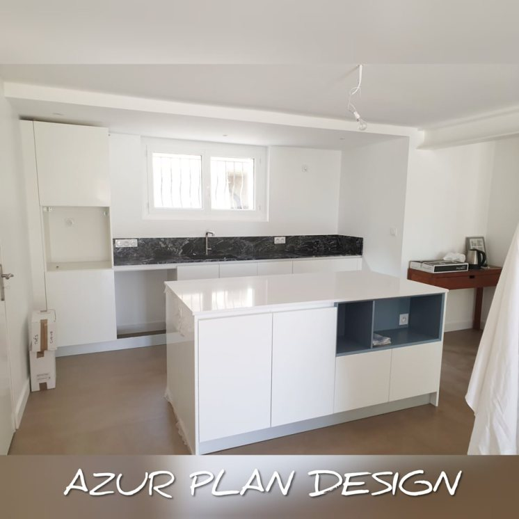 Plan de travail GRANIT SENSA BLACK BEAUTY + QUARTZ SILESTONE BLANCO ZEUS