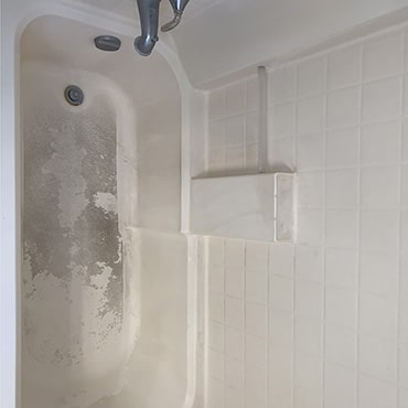 house cleaning services dirty bath tub