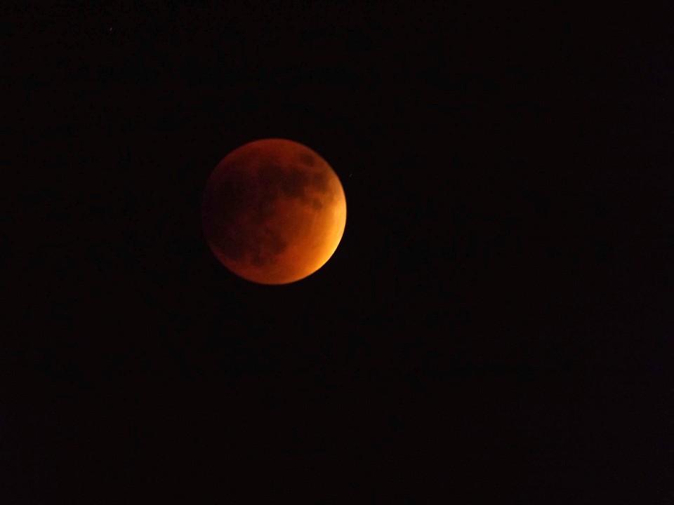 Moon-full-eclipse