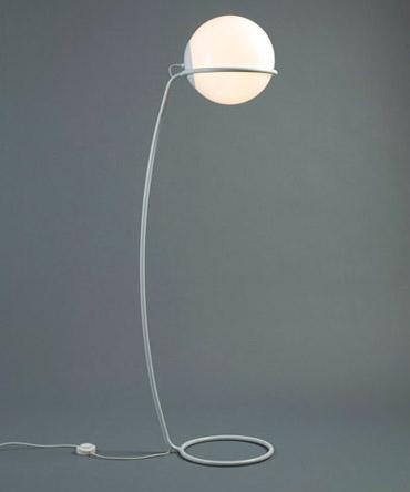 Lámpara globo de pie