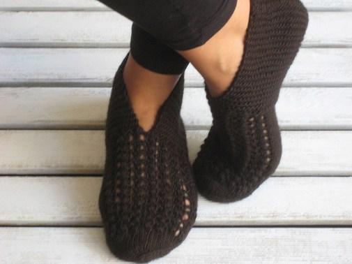 Slippers tejidos en marrón para entre casa
