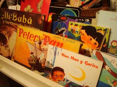 Libros para chicos, muchos con dibujos orientales pero en español