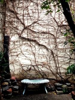 Banco en el jardín de Querida Elena. Foto