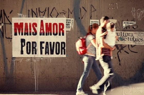 Mais amor por favor, instalación de Ygor Marotta, llega a Buenos Aires. Foto