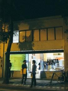Junta Feria desde el exterior de galería Meridión. Foto