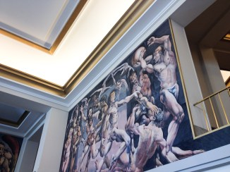 Murales de César Bustillo, hijo del arquitecto diseñador de la Rambla Casino, en el vestíbulo del Provincial. Foto