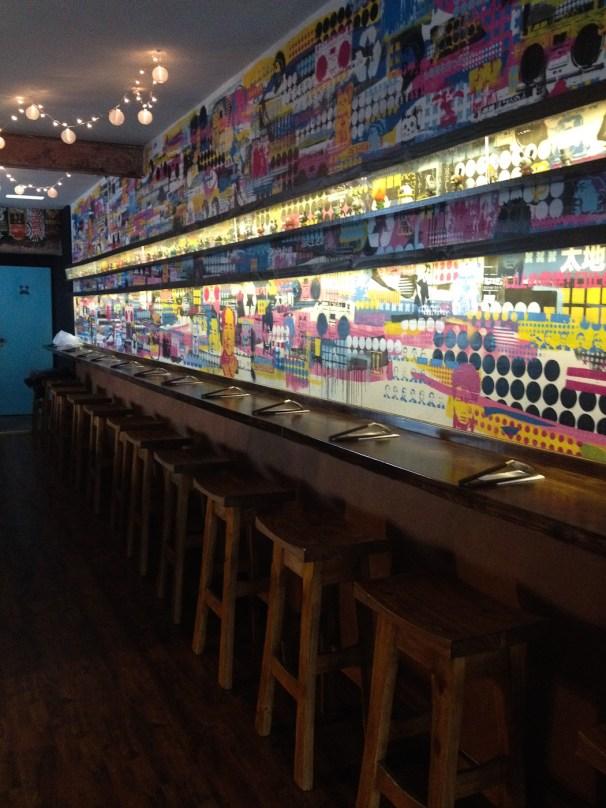 Interior de Fukuro, bar de ramen caseros. Foto