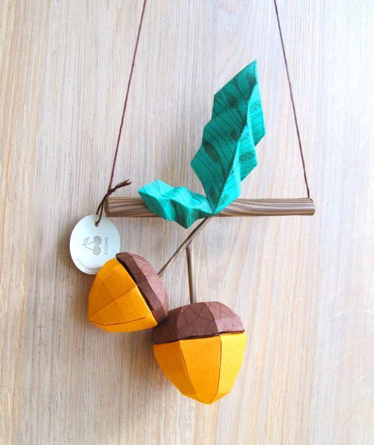 Obras de la feria de arte y plantas Flora: origami de Cherrymint. Foto