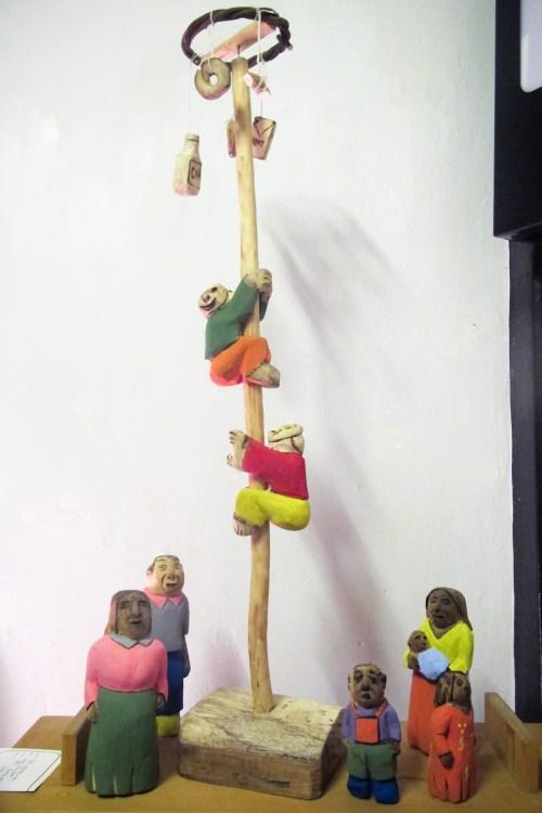 Muestra del tallador José Escobar en Guaraní Porã, Foto