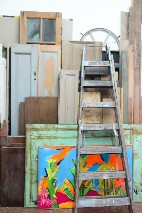 Maderas de descarte en el taller Salvador. Foto