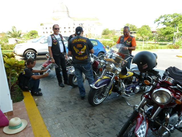 cuban-bikers02