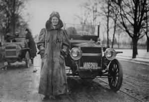 woman_and_car