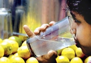 Ice cold 'Nimbu-Paani'-Ultimate relief during Mumbai's summer. Photo source-Internet