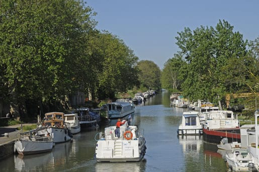 Rental boat on Canal du Midi