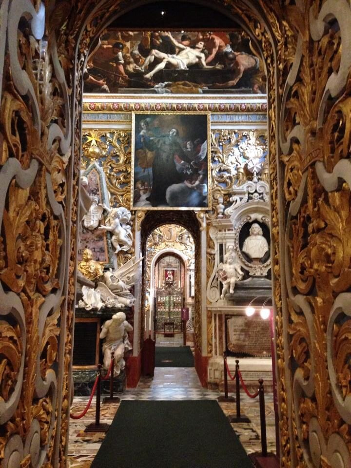 A side altar - splendid baroque manifestation.