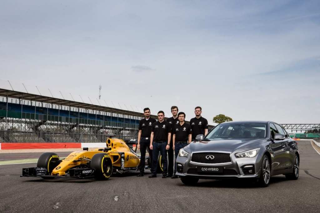 Infiniti Engineering Academy students with the Renault Sport F1 Team RS16 and the Infiniti Q50.