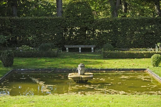 -a-peaceful-secret-place-in-the-park