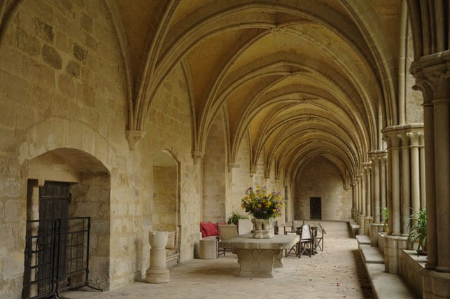 the-cloister-of-royaumont-abbey