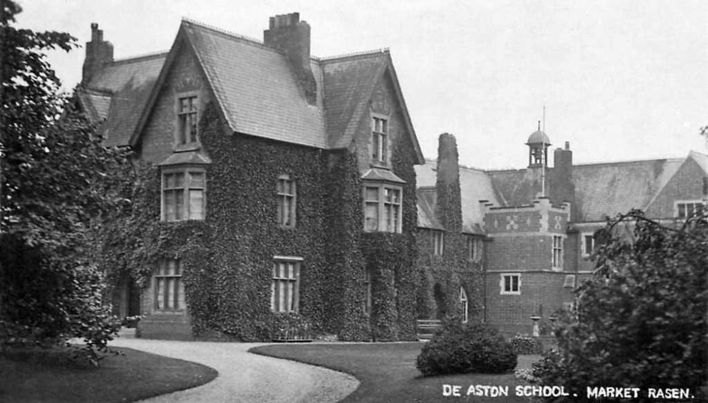 Up-to-Market-Rasen-in-Lincolnshire-for-School-No-10-The-De-Aston-Grammar-School.