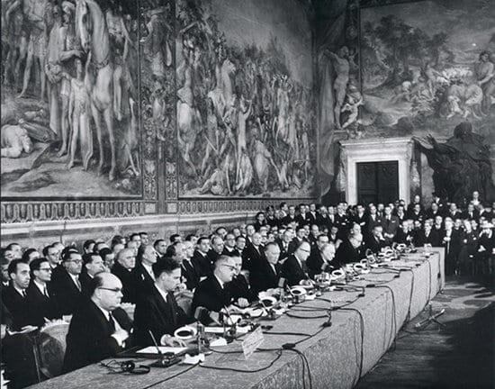 The-signing-of-the-Treaty-of-Rome-in-1957