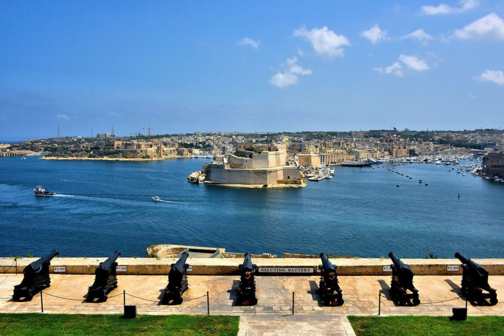 MalDia Magnificent view of the Valletta Grand Harbour from the Valletta Saluting Battery
