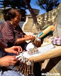 MalDia 02 (04-03-15) Gozitan lace makers