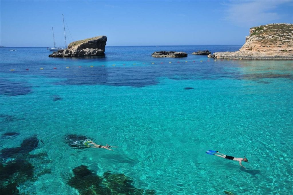 MalDia Cominos crystal clear Blue Lagoon