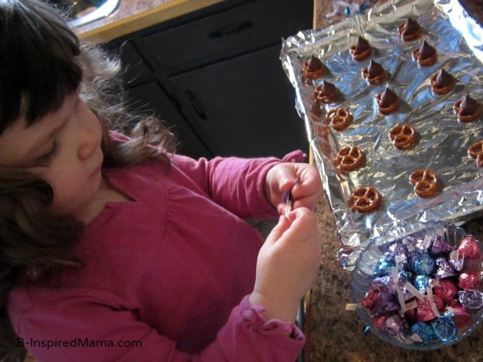 Making Easter Bunny Treat at B-InspiredMama.com