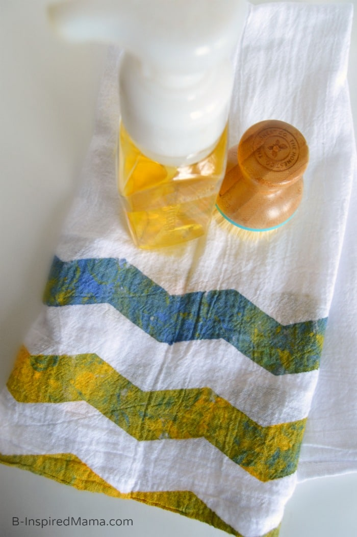 A Mother's Day Craft Mom Will Actually Use - Kid Painted Chevron Tea Towel - [Sponsored by #FrogTape] at B-Inspired Mama