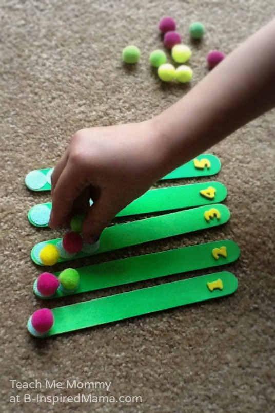 Learning Counting with a DIY Counting Sticks Busy Bag at B-Inspired Mama