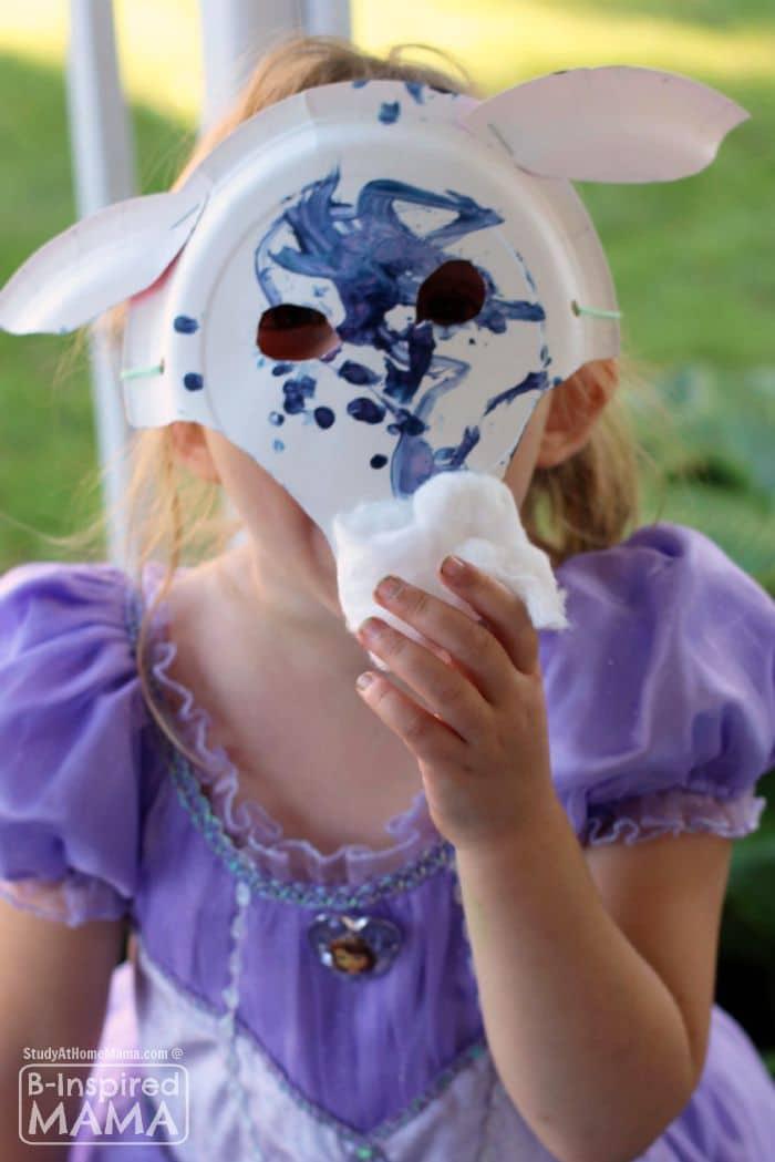 A Fun Billy Goats Gruff Paper Plate Mask Craft - at B-Inspired Mama
