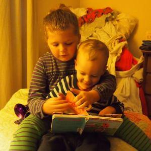Ezri reading to Owen