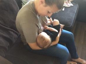 Feeding baby neck irritation