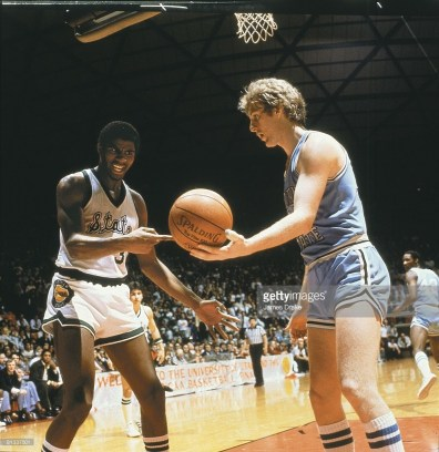 Magic Johnson vs Larry Bird en finale NCAA 1979 (c) Getty
