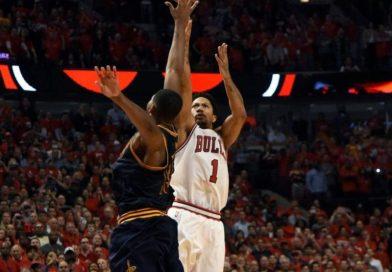 Playoffs 2015 : le 3-point au buzzer de Derrick Rose au match 3 Bulls-Cavs