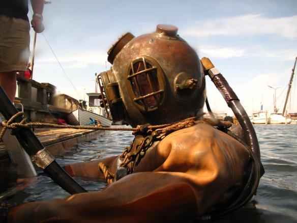 Billedresultat for dykkerhjelm