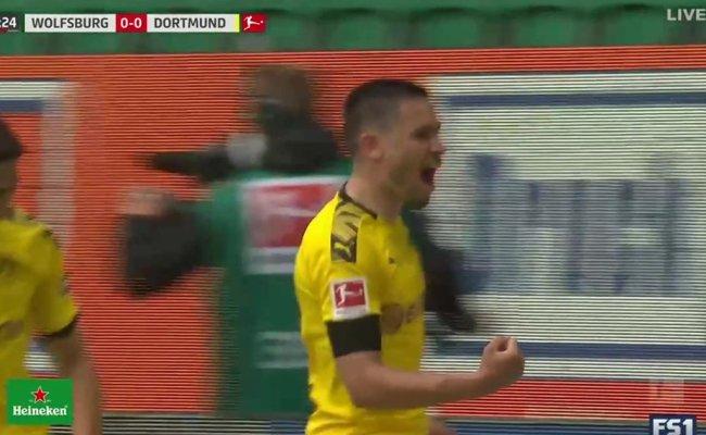 Guerreiro Puts Dortmund Ahead Of Wolfsburg Fox Soccer