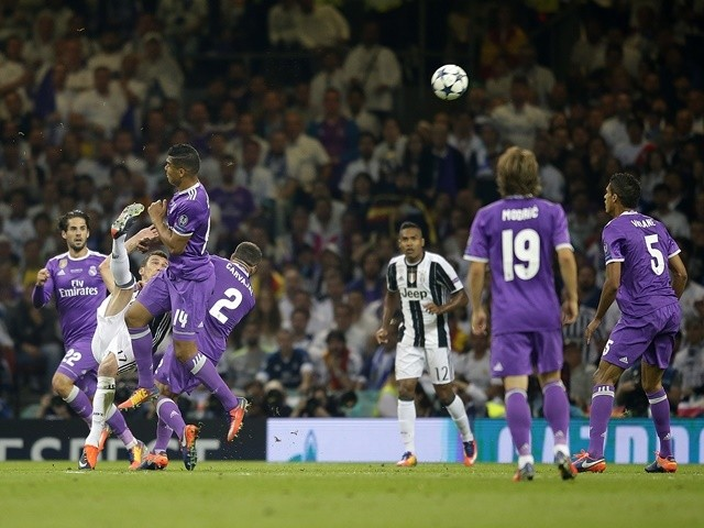 Juventus's Mario Mandzukic scores to make it 1-1 against Real Madrid in the Champions League final on June 3, 2017