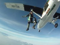 skydive empuriabrava feb. 2011 : The grounded Boogie :D
