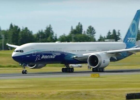 Первый полет лайнера Boeing 777X перенесли на 2020 год