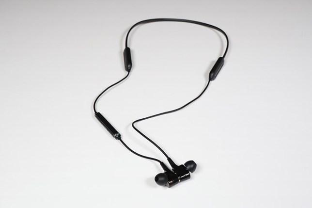 HOKONUI Bluetooth5.0 wireless waterproof noisecancelling earphones-左右がくっつく
