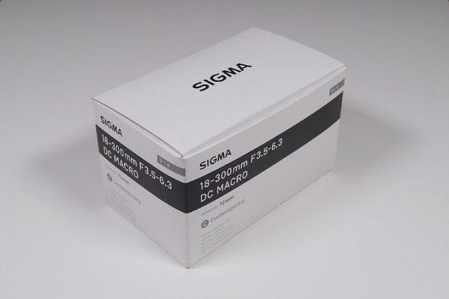 SIGMA 18-300mm F3.5-6.3 DC MACRO-箱