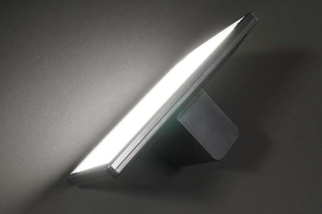 Turpow NP-F960/F970 互換バッテリー とViltrox L116T-点灯