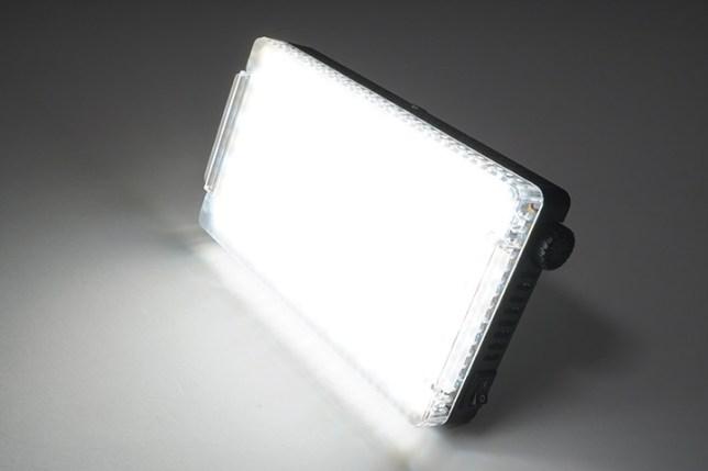 Aputure Amaran AL-F7 3200-9500K LEDライト-ディフューザー1